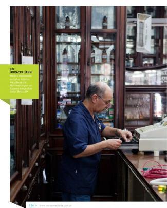 Barri Horacio. Reflexiones En Torno A Una Política Racional De Medicamentos. Voces En El Fénix 2011